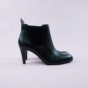 Clarks Carlita Quinn Chelsea Boot Bootie sz 7.5